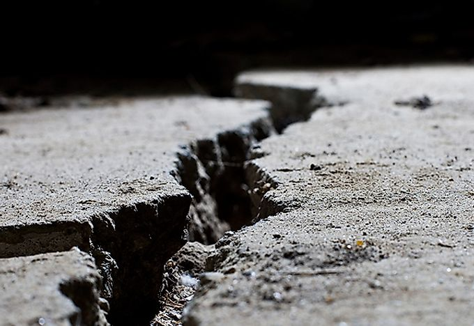 What causes an earthquake?