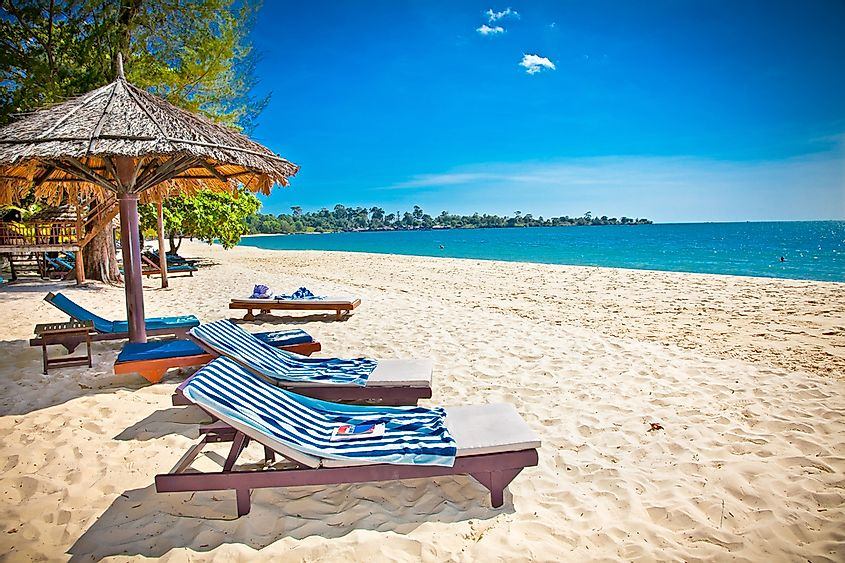 A tropical beach in Cambodia, the ideal place to spend a holiday off.