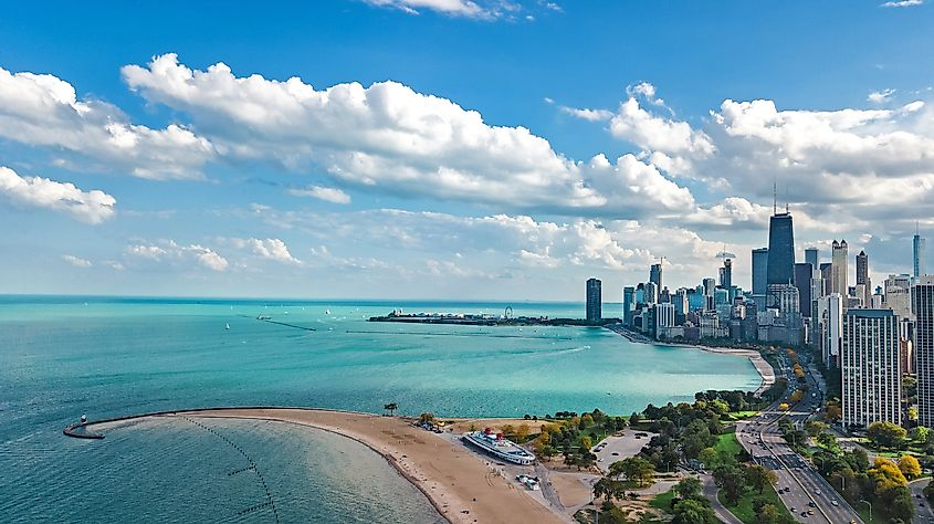 Chicago City along the shores of Lake Michigan. Image credit: JaySi/Shutterstock.com