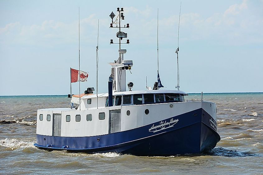 Canadian commercial fishing boat coming into the harbor at Port Burwell on Lake Erie. Image credit: Gordon Leggett/Wikimedia.org