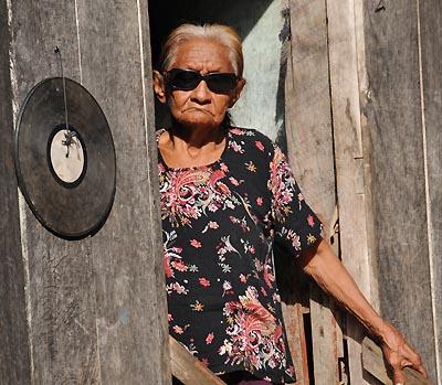 brazil, boca da valeria, old woman