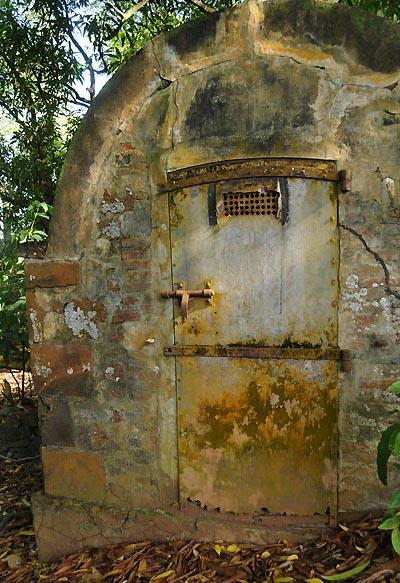 devils island, island mortuary