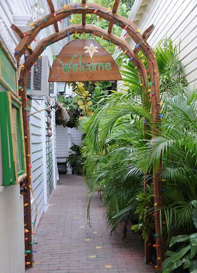 florida, key west, courtyard