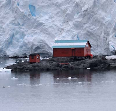 antarctica research buildings