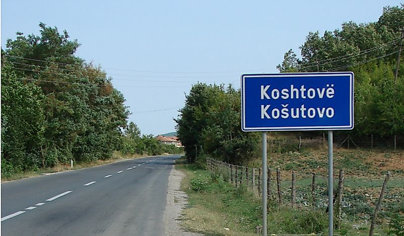 A sign in the Albanian, as well as Serbian, language.