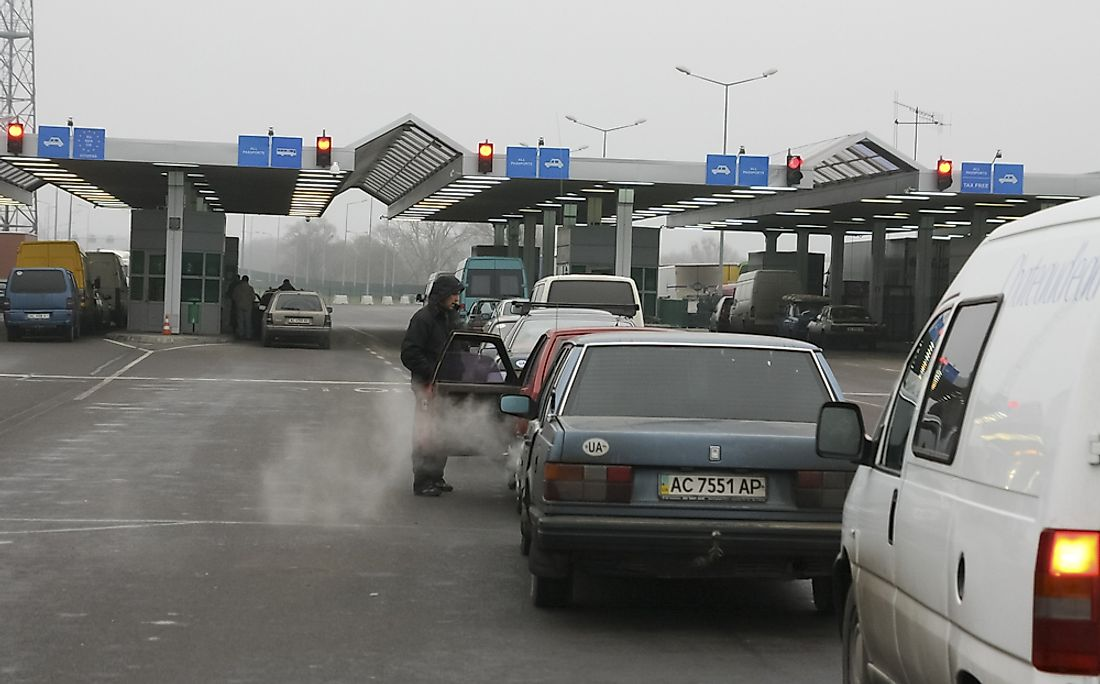 Cars at the Polish-Ukrainian border. Editorial credit: difenbahia / Shutterstock.com.