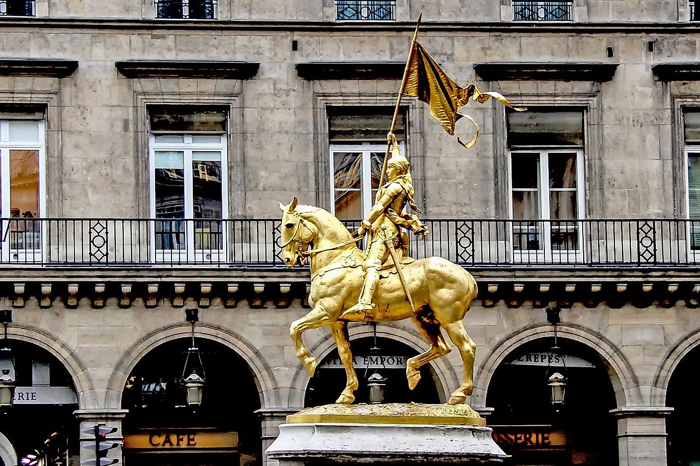 Joan of Arc statue. Image credit: Wolfgang Claussen from Pixabay