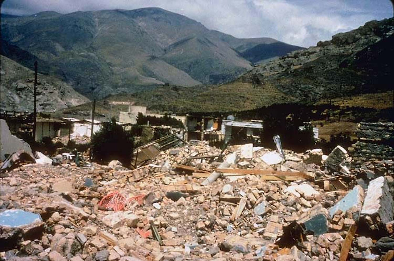 The destruction caused by Manjil-Rudbar earthquake. Image credit: M. Mehrain, Dames and Moore./Public domain