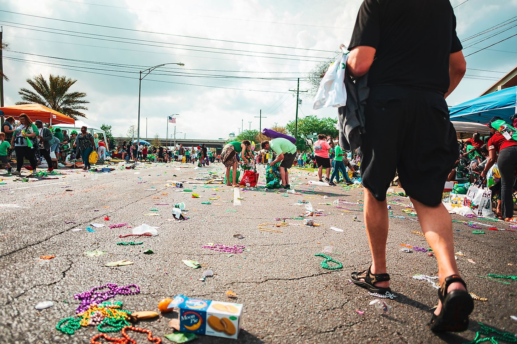 Streets covered in trash in the aftermath of the Cabbage Festival on St. Patrick's Day. Image credit: Eloresnorwood/Shutterstock.com