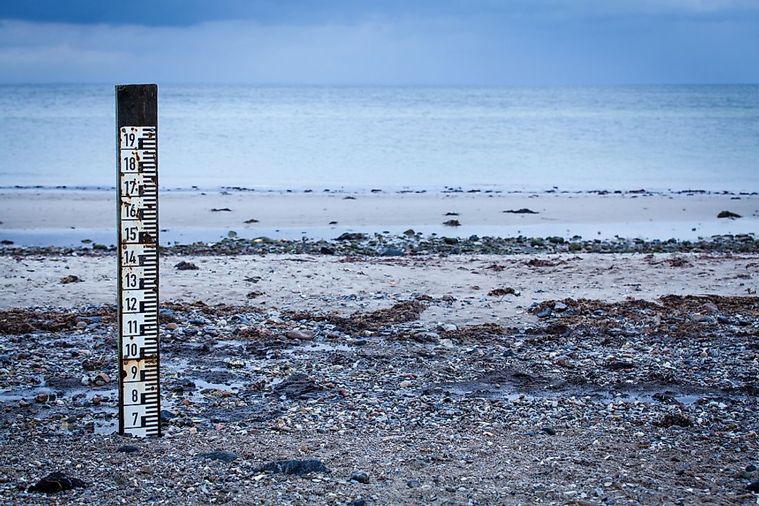 Tidal markers measure the incoming tides.