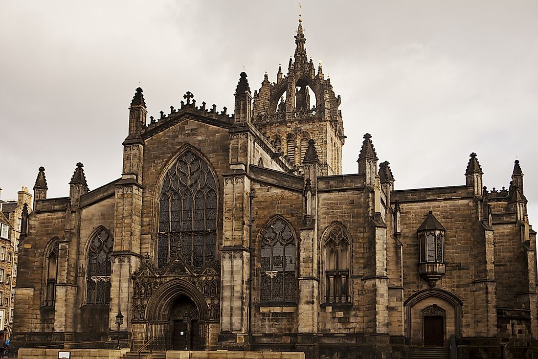 The distinctive crown steeple of St Giles' cathedral dominates the Edinburgh skyline.