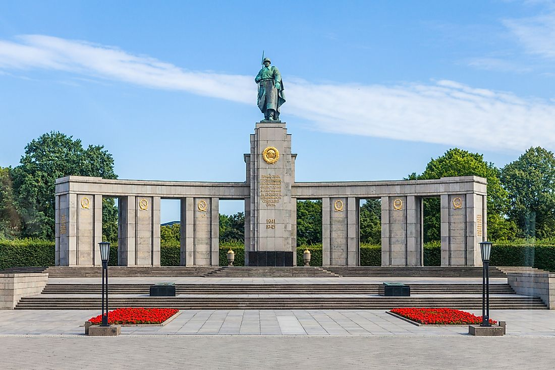 The Soviet War Memorial (Tiergarten) in Berlin dedicated to the Soviet soldiers who lost their lives in the Battle of Berlin.  Editorial credit: Aleksandr Vrublevskiy / Shutterstock.com