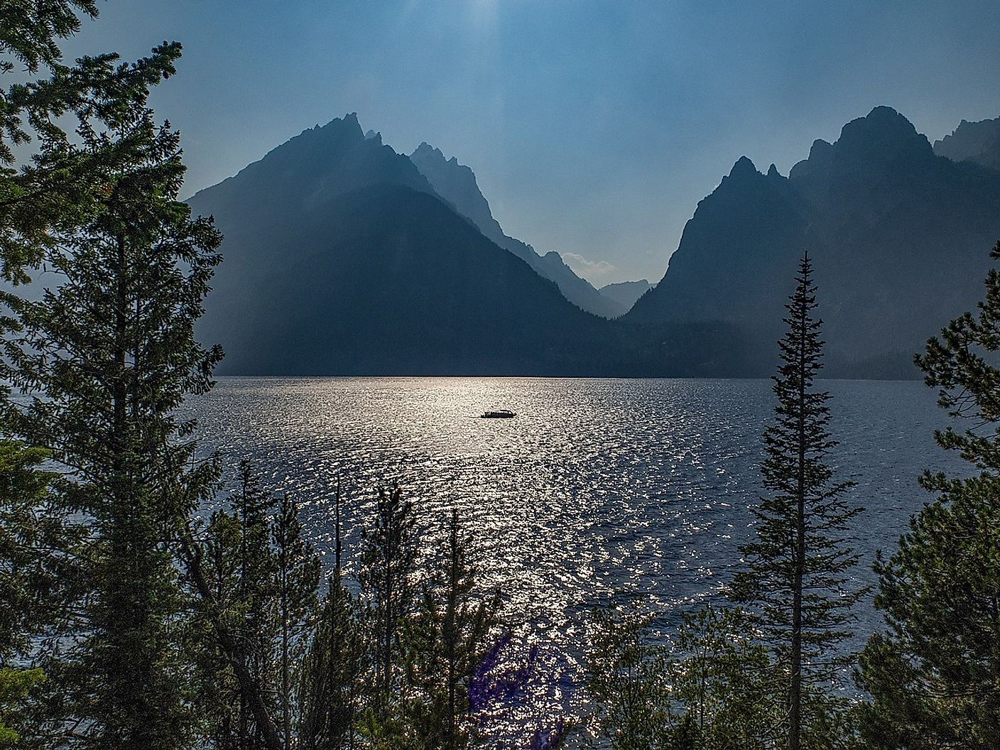 Jenny Lake at Grand Teton National Park. Image credit: Burley Packwood/Wikimedia.org