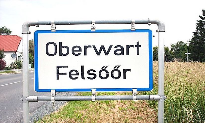 Bilingual sign of Oberwart (in Hungarian Felsőőr) in Burgenland.