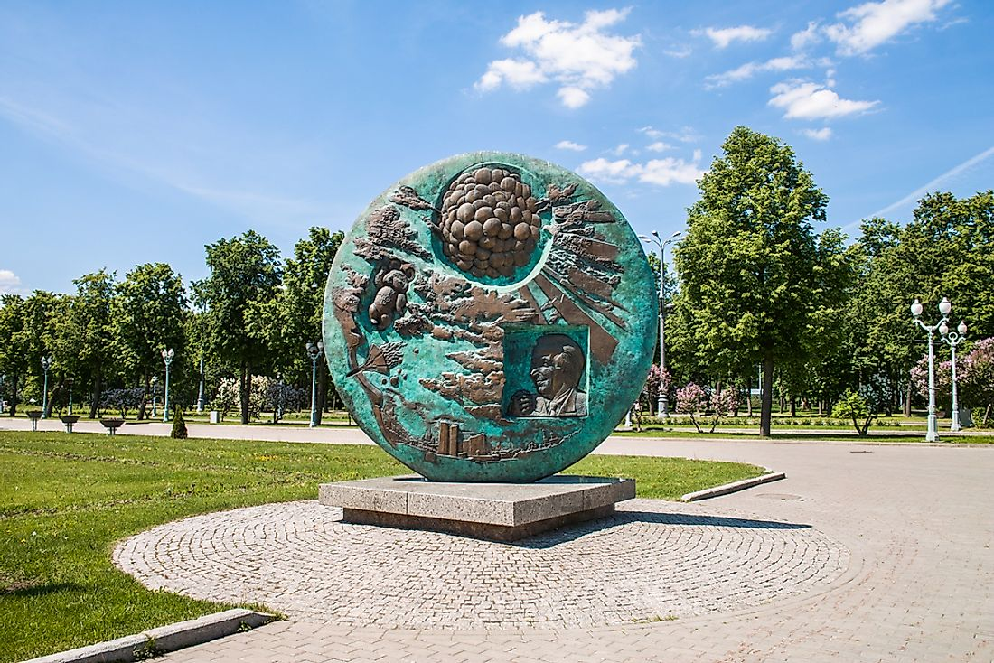 A memorial stands in Moscow for the 1980 games held there. Photo credit: Pelikh Alexey / Shutterstock.com.