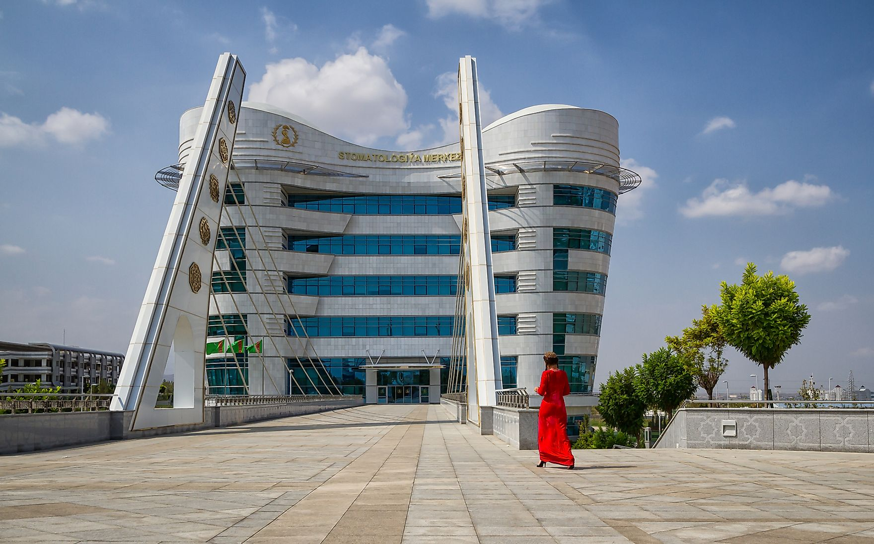 This dental center in Turkmenistan is shaped like an actual tooth molar. A quest to find out if other medical buildings were shaped like organs was inconclusive. Jakub Buza / Shutterstock.com.