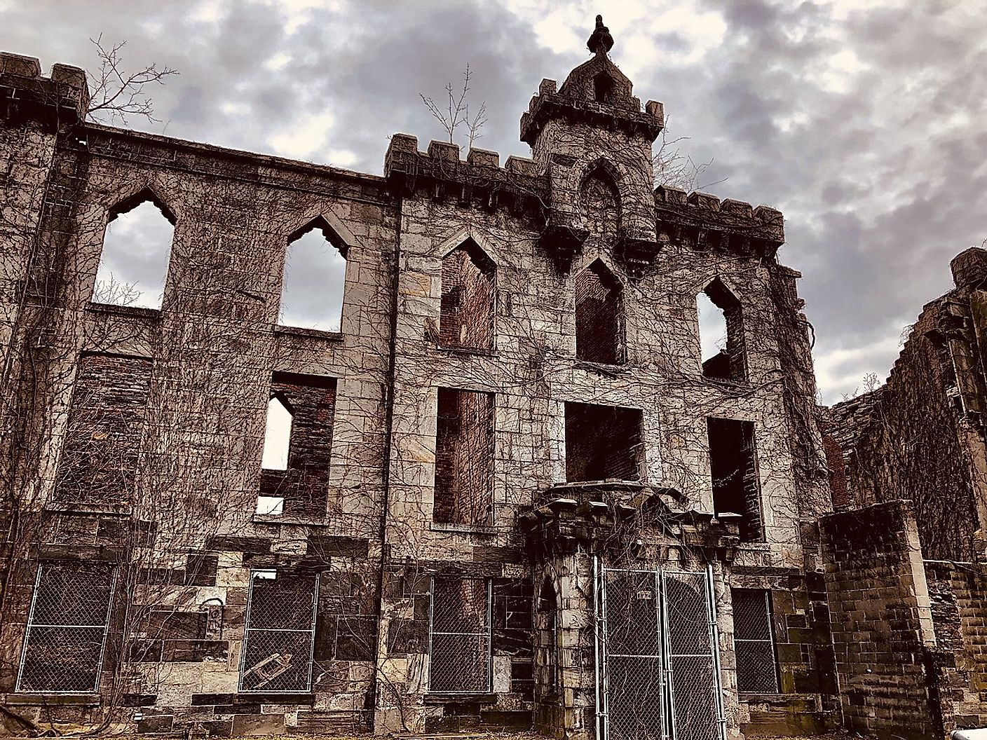 The Renwick Smallpox Hospital on Roosevelt Island in April 2019. Image credit: Chris6d/Wikimedia.org