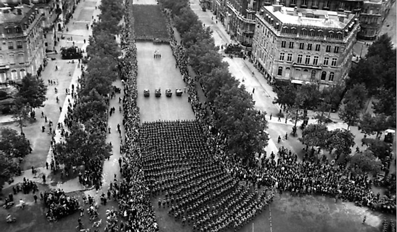 A parade in Paris celebrates the end of the Second World War.