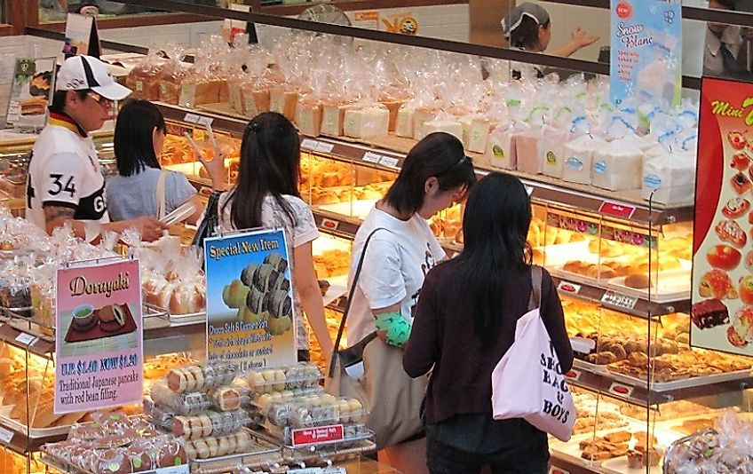With little arable land to feed its urban population, low import costs make food affordable for Singaporean shoppers.