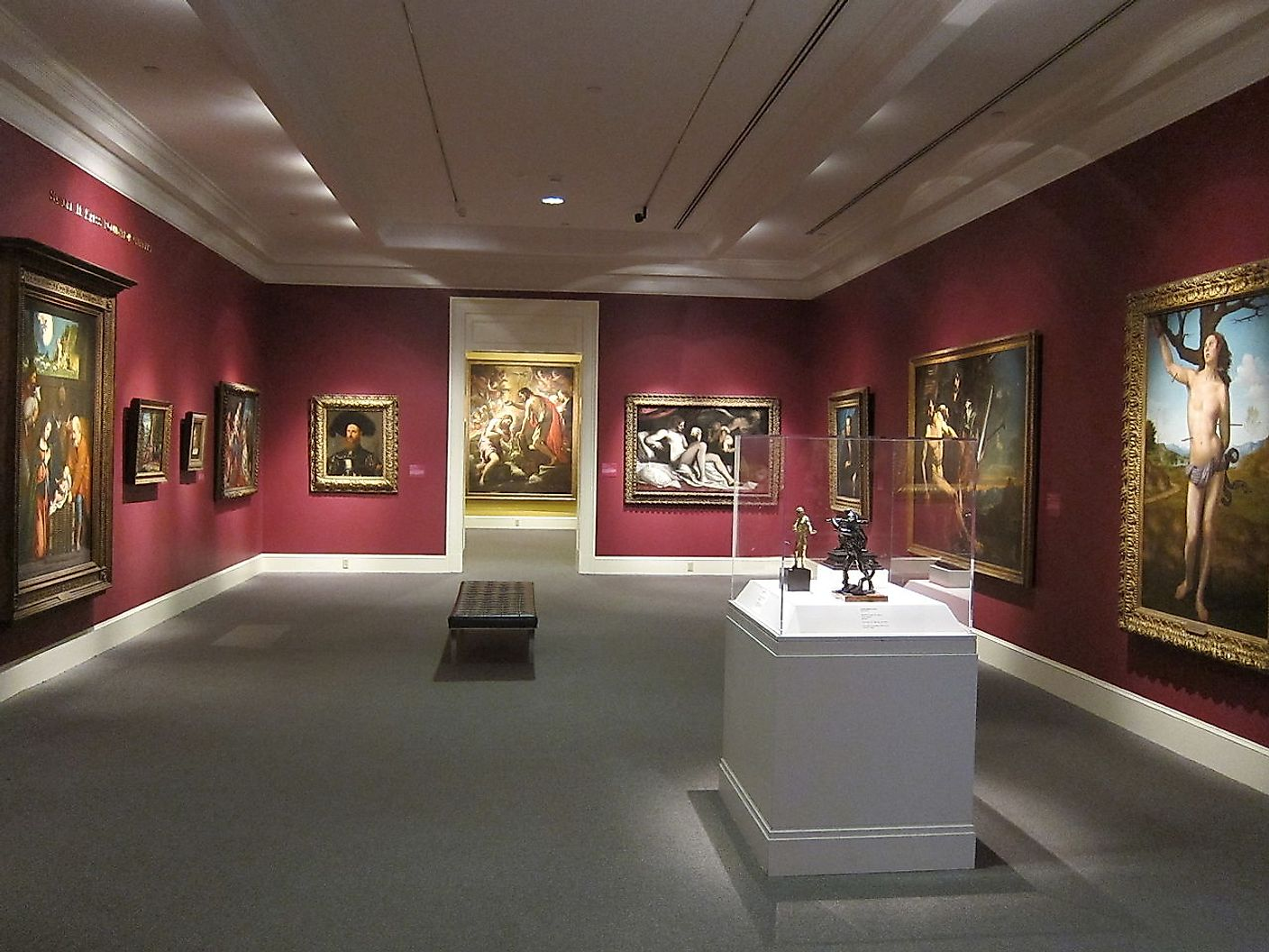 In a gallery in the New Orleans Museum of Art. Image credit: Satanoid/Wikimedia.org