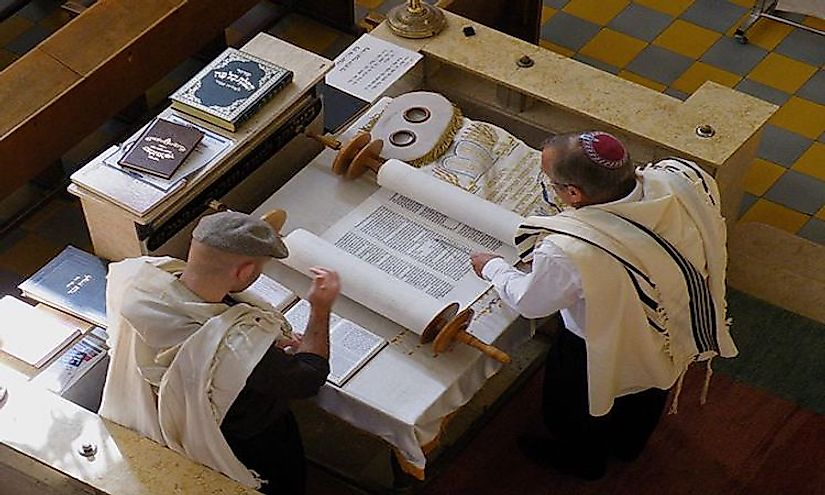 Reading of the Torah by Jews