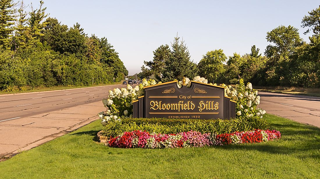 Bloomfield Hills, a suburb of Detroit, is one of the richest places in the United States by per capita income. Editorial credit: Steve Lagreca / Shutterstock.com.