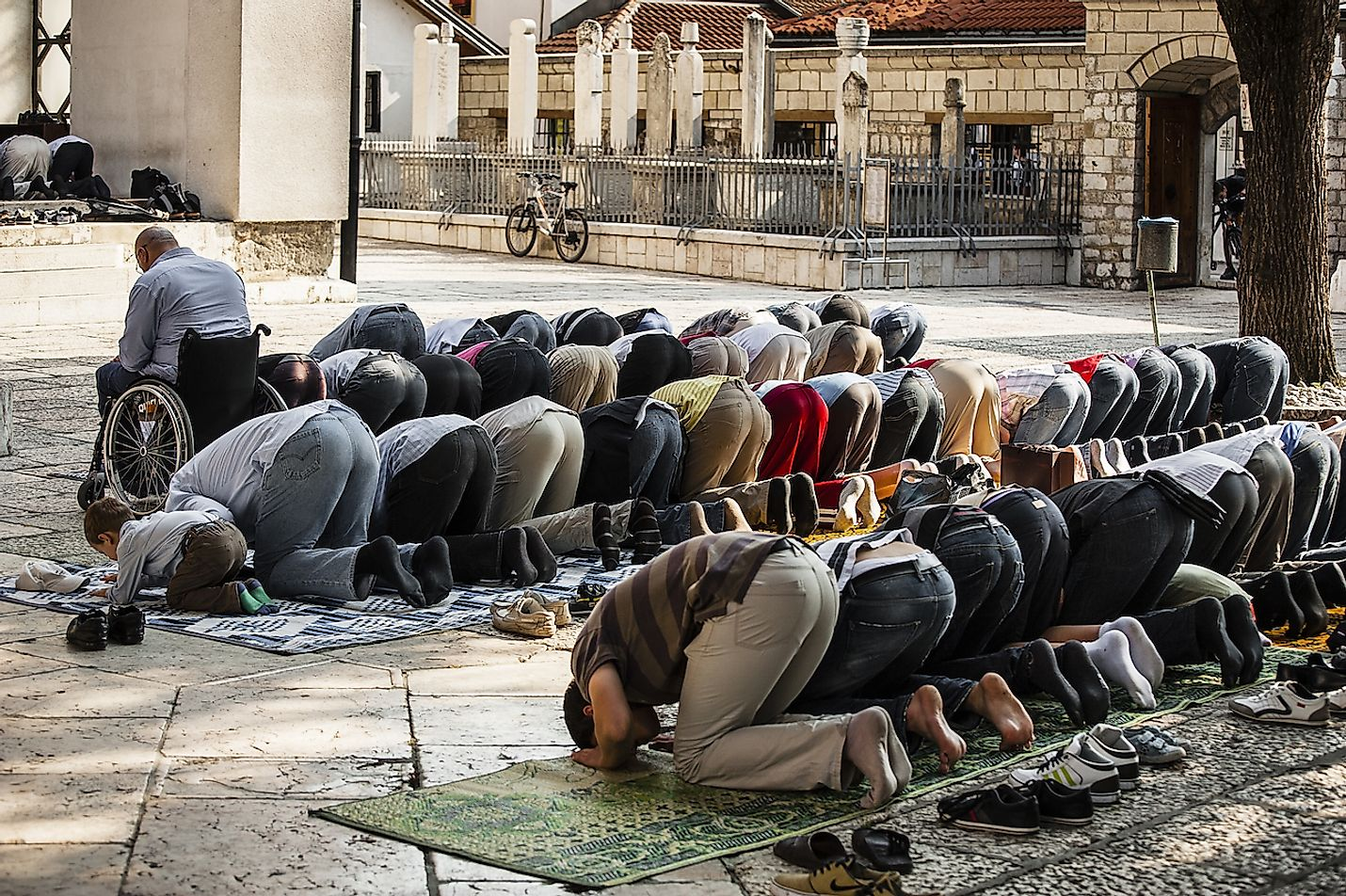 Friday Ramadan prayer/Sarajevo, Bosnia and Herzegovina, July 12, 2013. Image credit: Sorin Vidis/Shutterstock.com