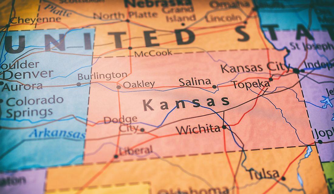 Which States Border Kansas? - WorldAtlas.com