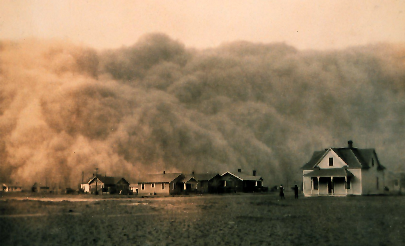 Dust storm approaching Stratford, Texas. Dust Bowl surveying in Texas. Image credit: NOAA George E. Marsh Album/Public domain