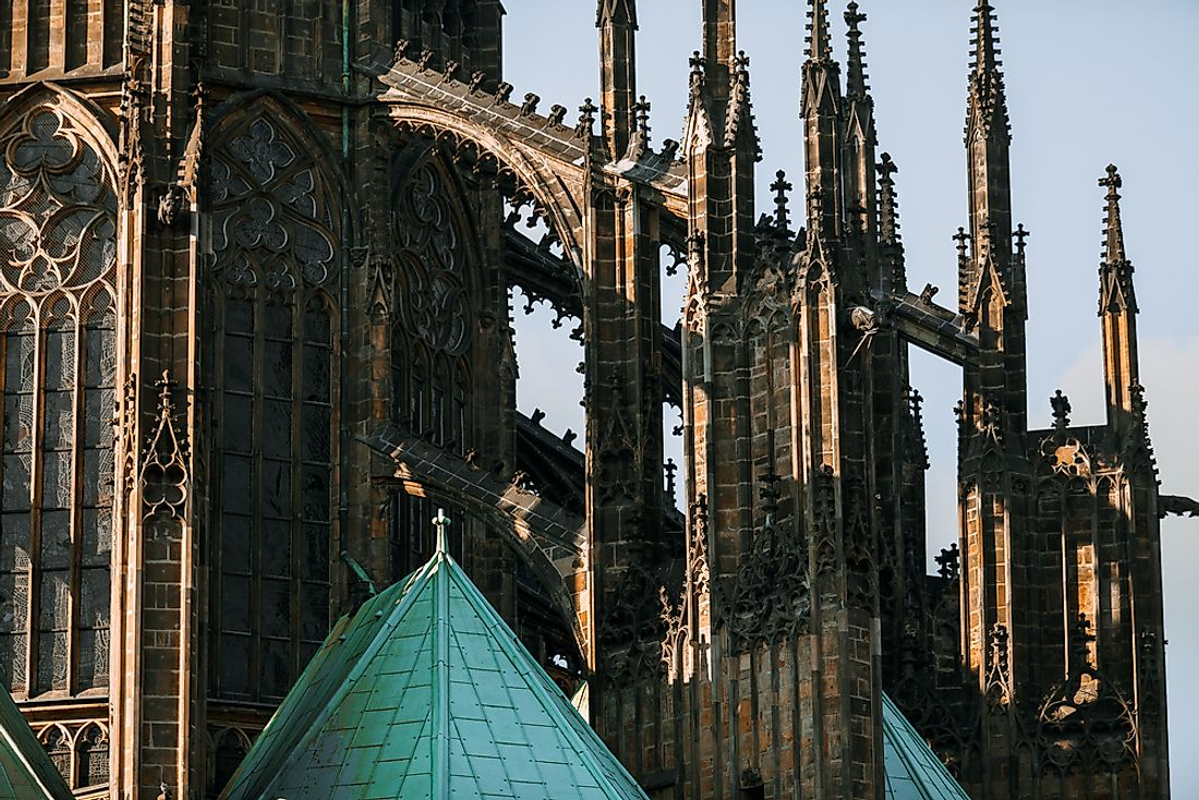 Examples and Characteristics of Gothic Architecture