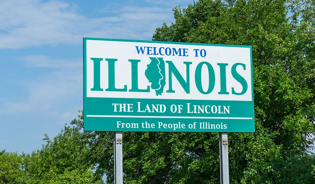 Welcome sign along the Illinois state border.