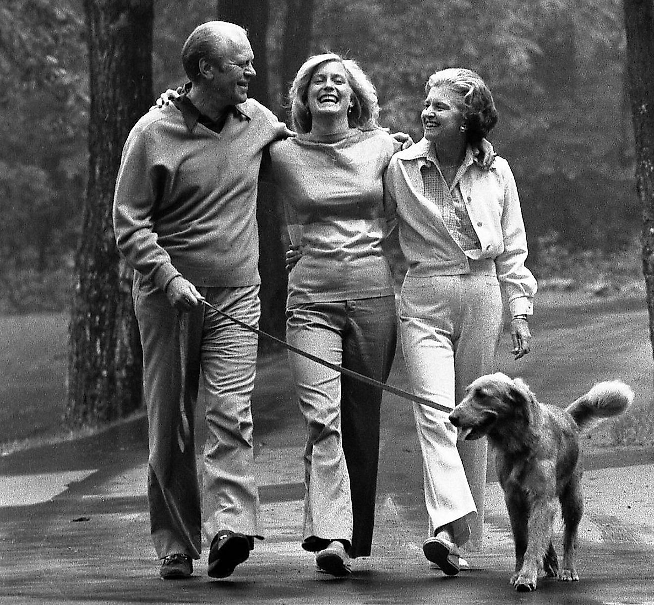 Photograph of President Gerald Ford and First Lady Betty Ford with Susan and Liberty at Camp David. Image credit: David Hume Kennerly/Public domain