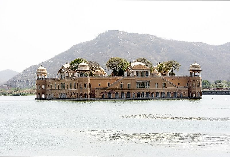 Jal Mahal upon Man Sagar Lake.