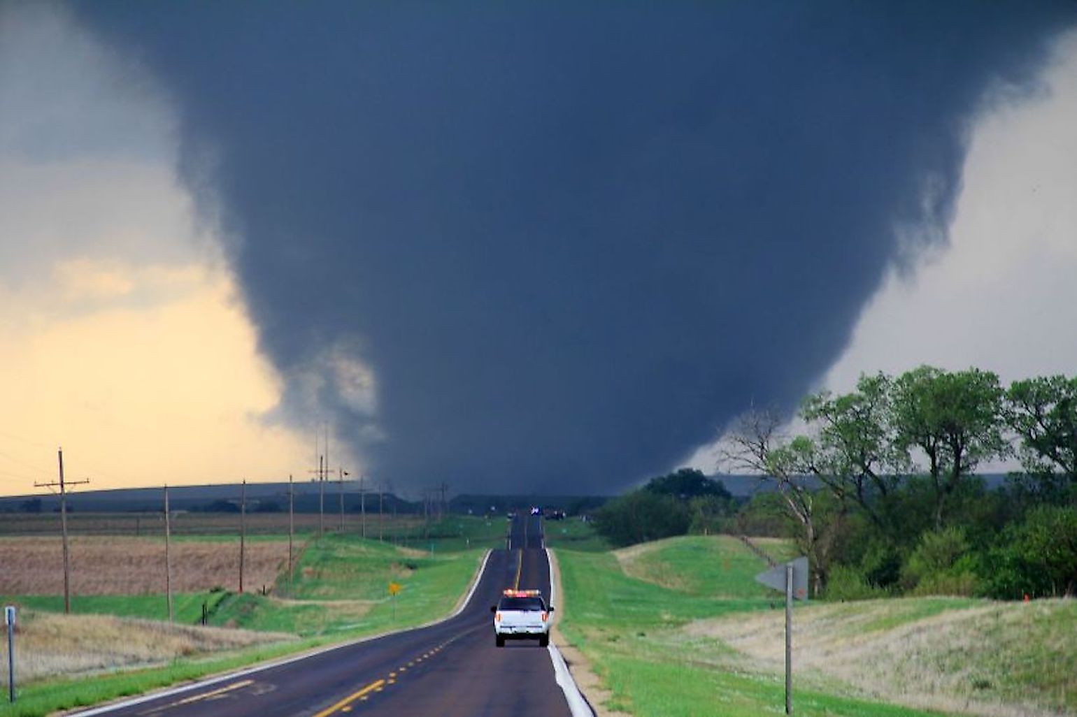 One of several violent tornadoes that touched down across Kansas on April 14, 2012. This particular tornado was located 5 miles west of Marquette, Kansas and was rated EF4. Image credit: Will Campbell/Public domain