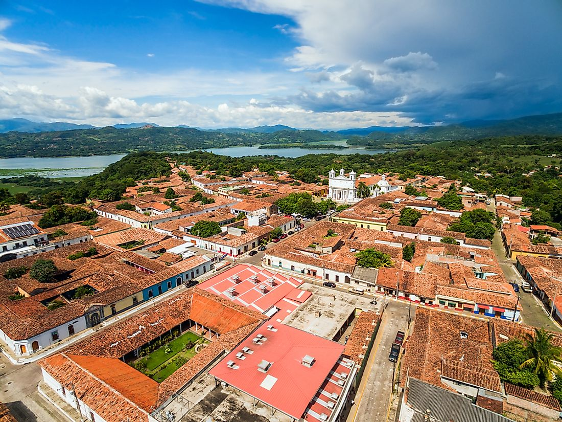 The town of Suchitoto in El Salvador was colonized by the Spanish in the 17th century.