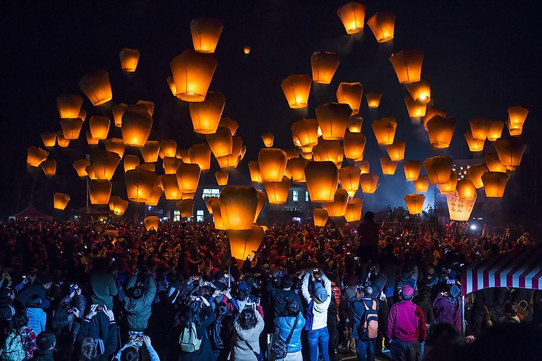 The crowd enjoys the Lantern Festival in Taiwan.