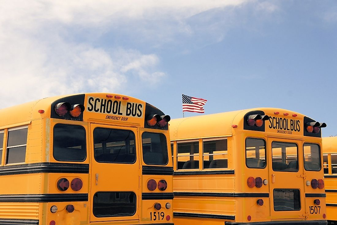 It is common for American children to take a bus to school.