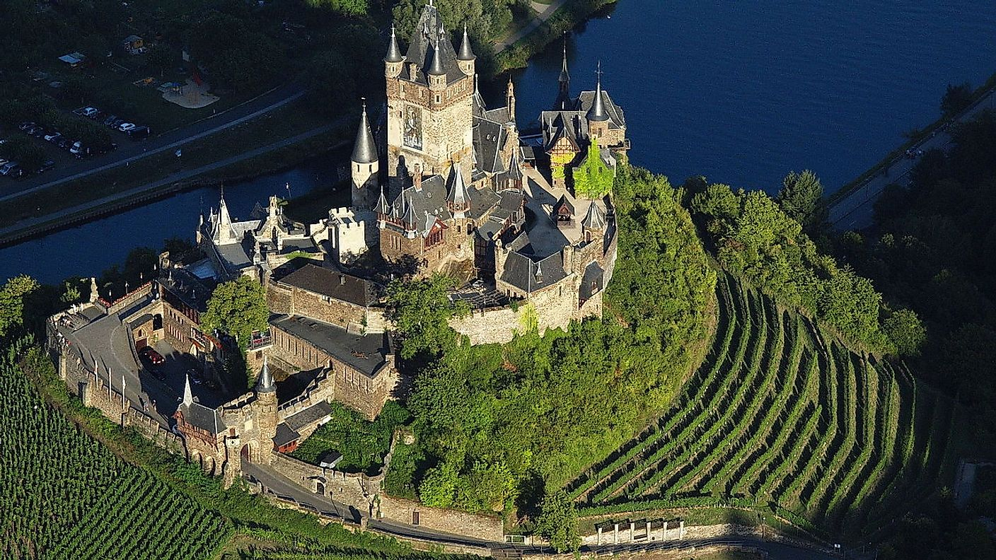 The spectacular Reichsburg Cochem castle in Germany. Image credit: Wolkenkratzer/Wikimedia.org