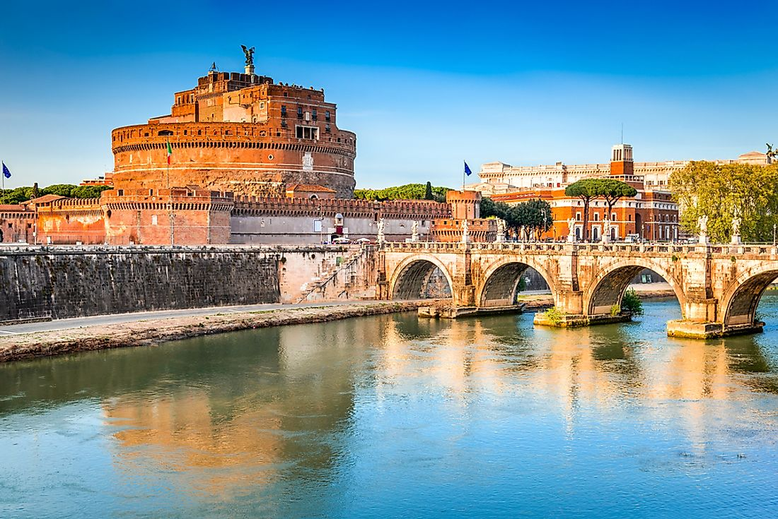 Rome's location on the Tiber River. Editorial credit: cge2010 / Shutterstock.com.