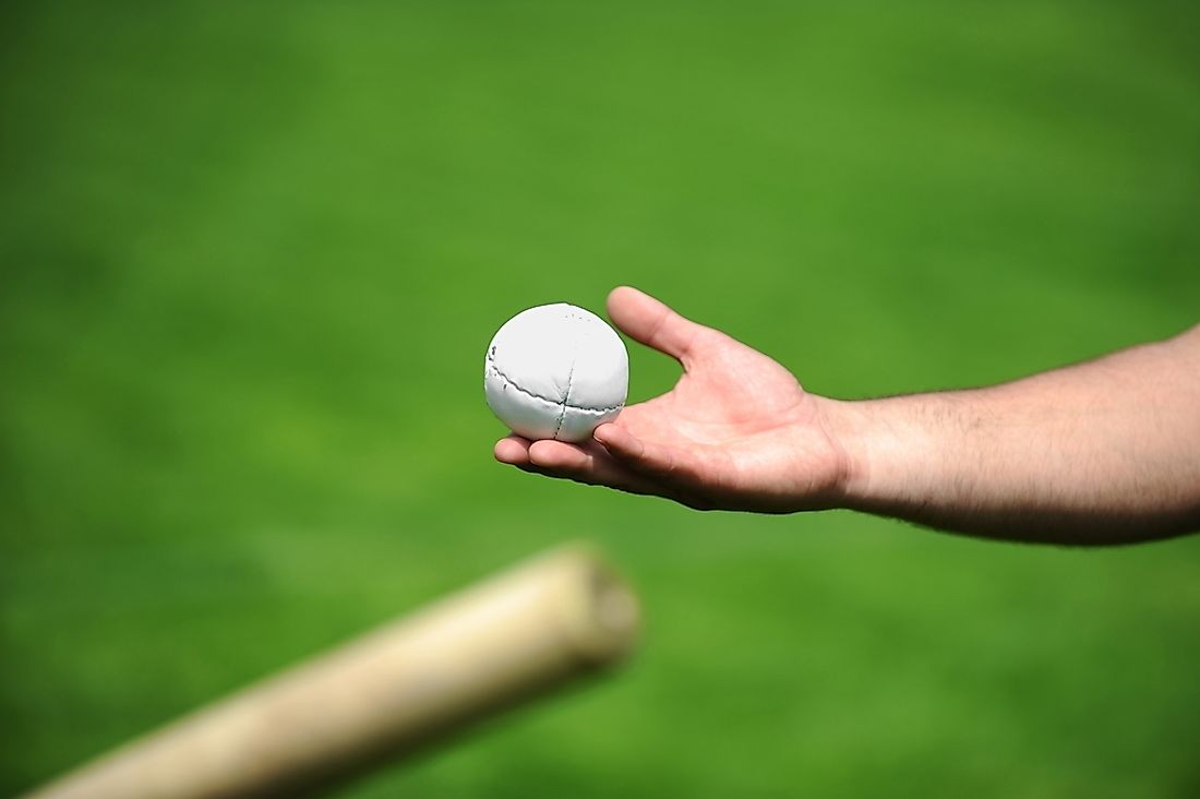 Ball and bat used in rounders.