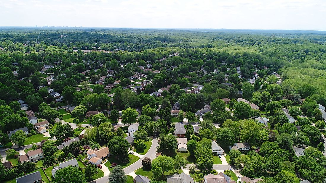An aerial view of a wealthy neighborhood in Maryland. Editorial credit: Nicole S Glass / Shutterstock.com.