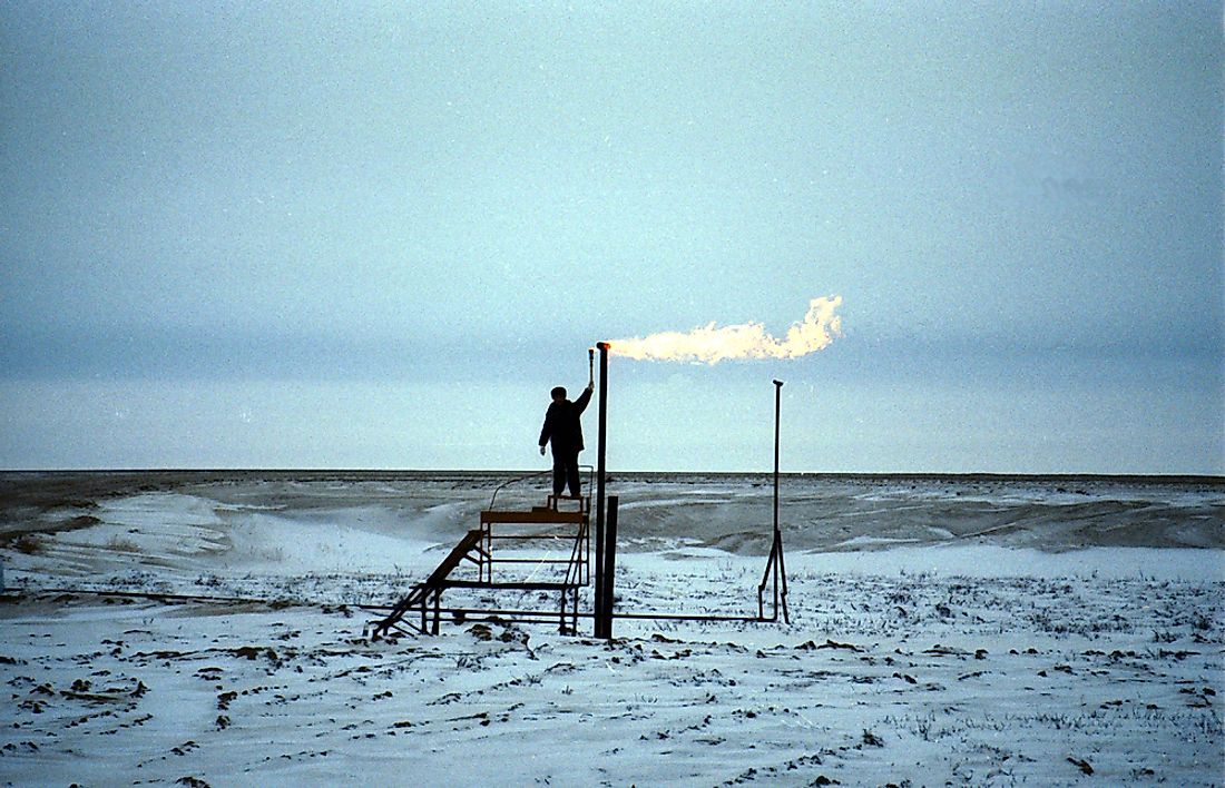 A pipeline crossing the natural gas field in Yamberg, Russia. Editorial credit: Northfoto / Shutterstock.com