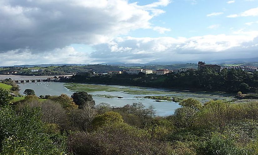 Ria of San Vicente de la Barquera in Cantabria, Spain