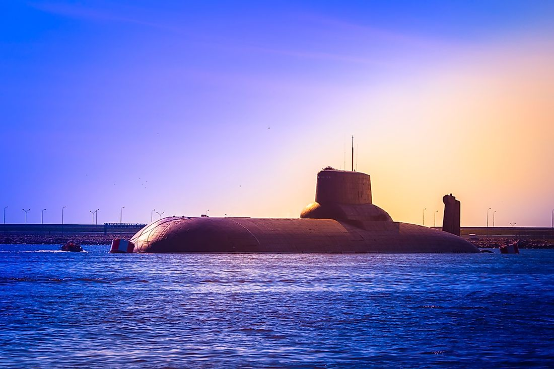 Nuclear-powered submarines can stay underwater for several weeks or even months.