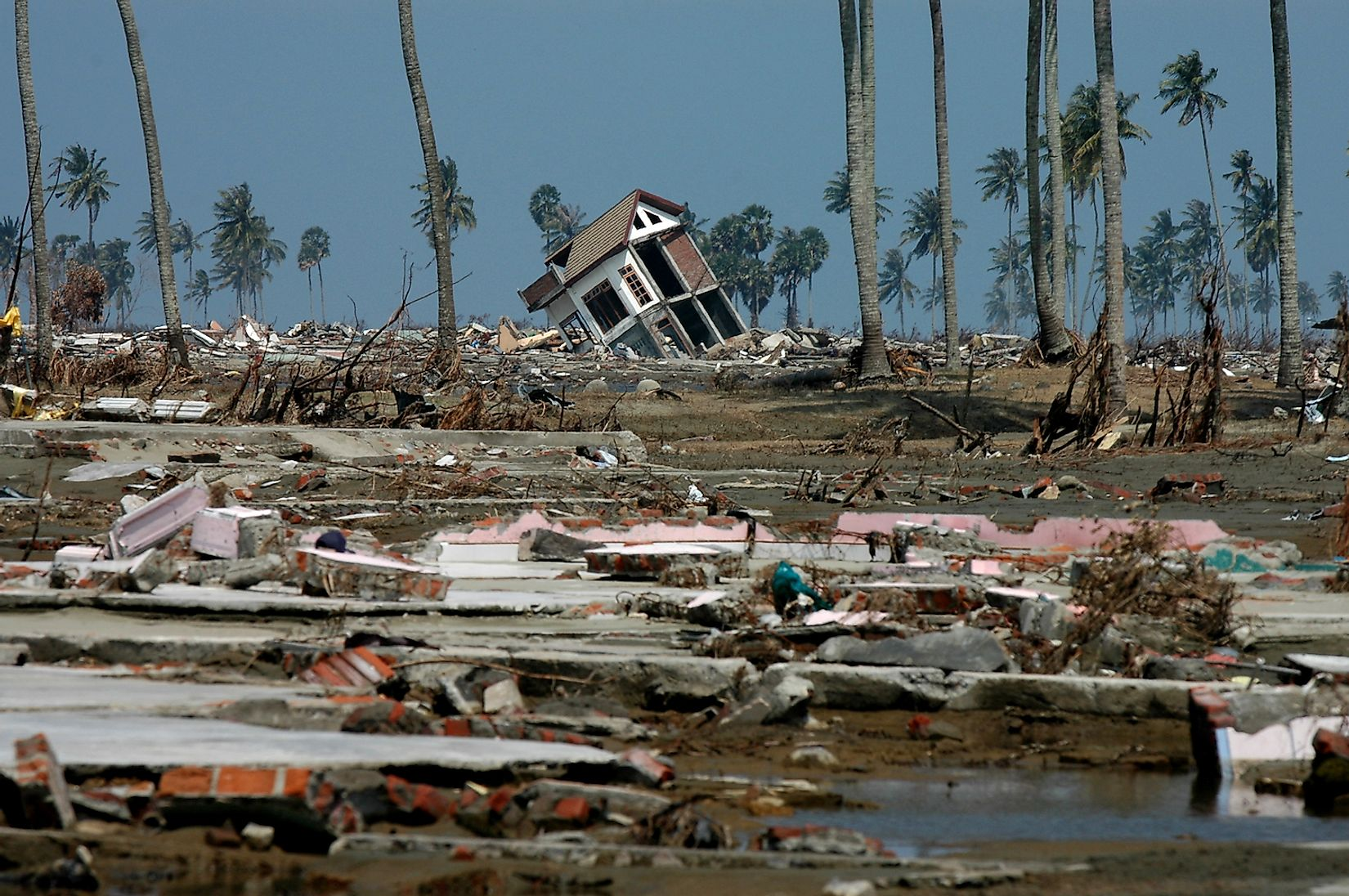 A scene from Banda Aceh, Aceh, Indonesia after the 2004 Indian Ocean earthquake and tsunami. Image credit: Frans Delian/Shutterstock.com