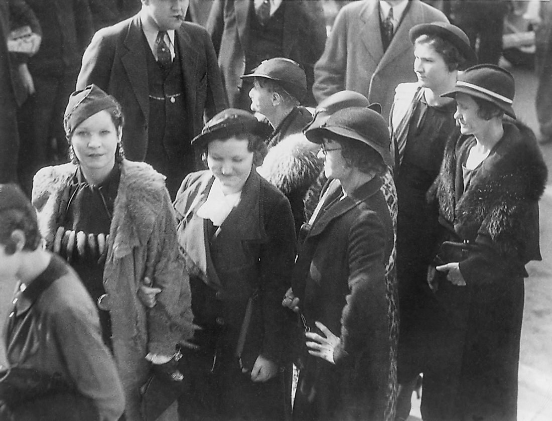 Bonnie and Clyde's friends and relatives sentenced for harboring fugitives from justice in Dallas Texas, Feb 26, 1935.