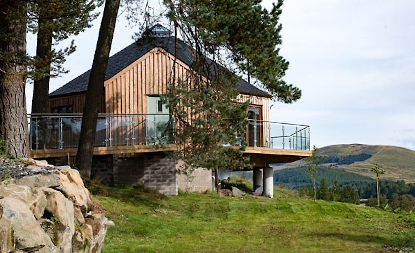 The Glenshee Treehouses. Image credit: www.dalnoid.co.uk