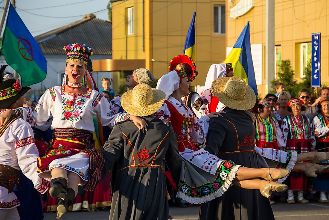 Dancers in traditional Ukrainian outfits. Editorial credit: Olha Solodenko / Shutterstock.com.