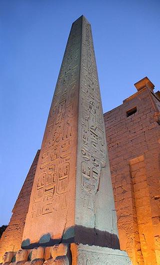 obilisk luxor egypt
