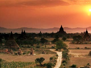 Buddhist Temples at Archaeological Site, Bagan (Pagan), Myanmar (Burma), Asia